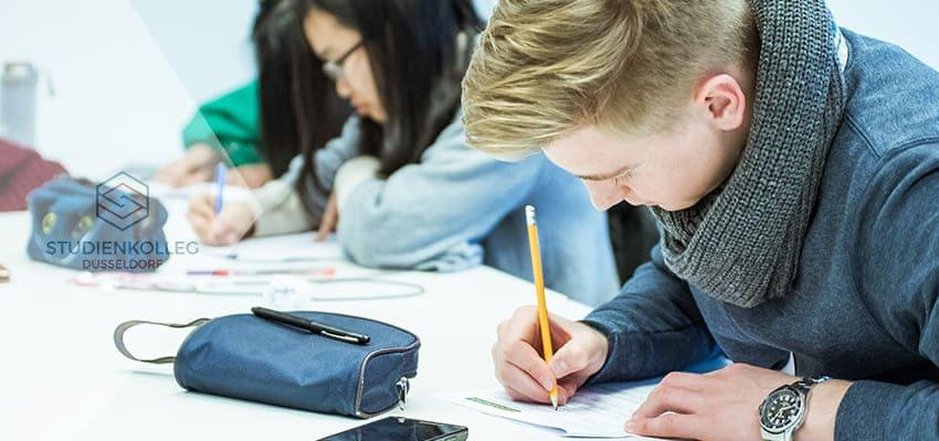 Studienkolleg Duesseldorf, Prüfungsvorbereitung
